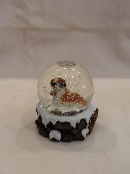 Schneekugel mit Bernhardiner